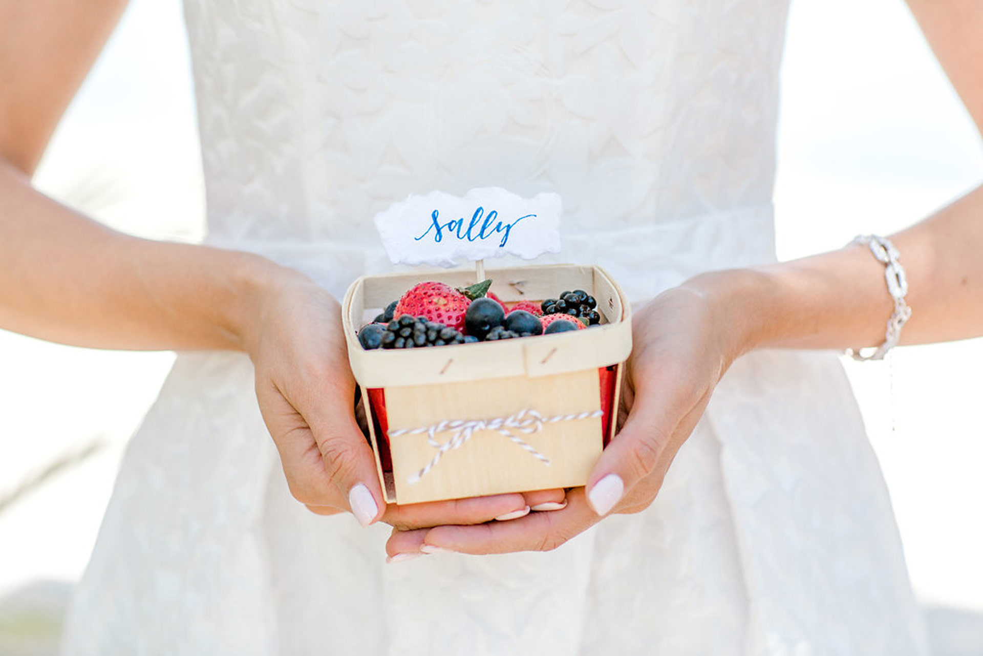 Bridal Name Plate with Berry Guest Takeaway